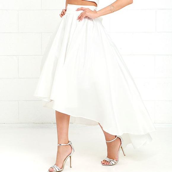 919bf47dfd3e NWT Gracia White High Low Satin Skirt with Tulle S